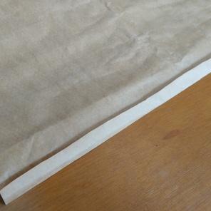 dobre 2cm da lateral de uma das abas